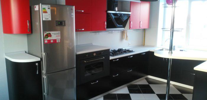 П-образная кухня в частном доме