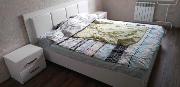 Мебель для спальни с элементами из кожи