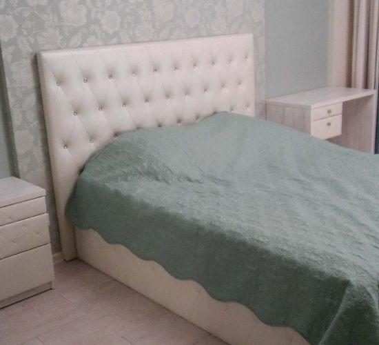 Спальня с фасадами из кожи