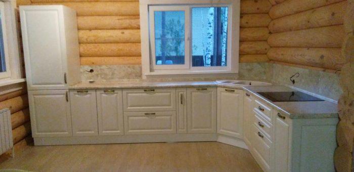 Кухня с электрической плитой
