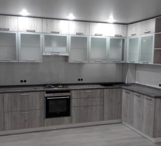 Кухня со стеклянным верхом