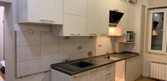 Кухня с текстурой Выбеленное дерево