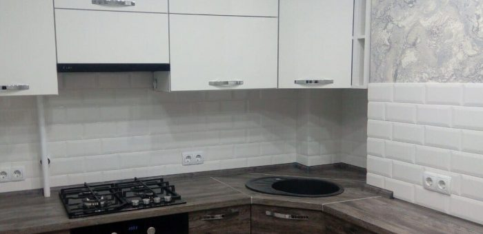 Кухня с асимметричными фасадами
