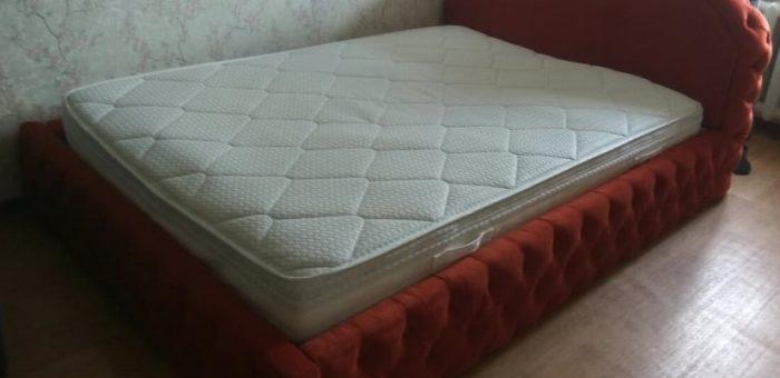 Кровать с прошивкой