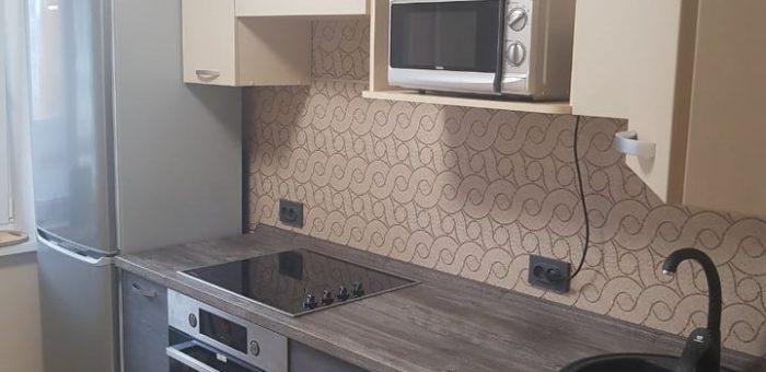 Кремово-коричневая кухня