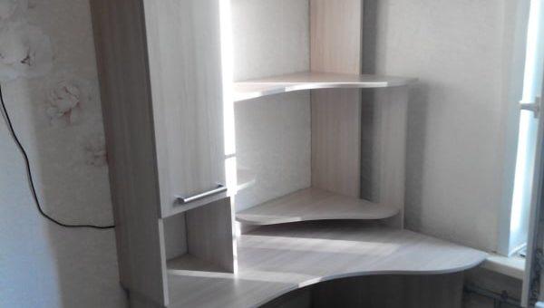 Шкаф и компьютерный стол