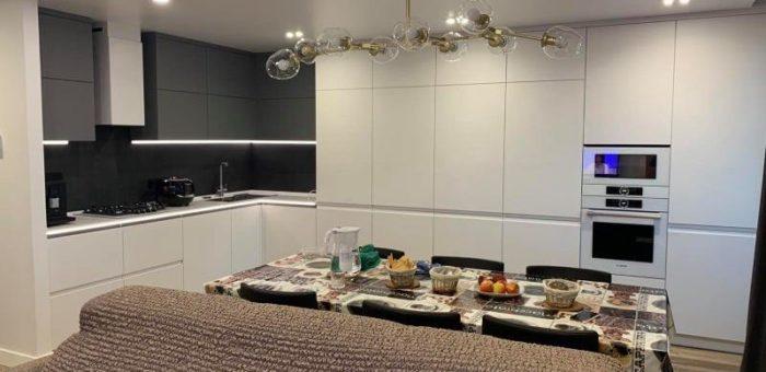 Шелковисто-матовая кухня