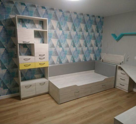 Шкаф, кровать, стол