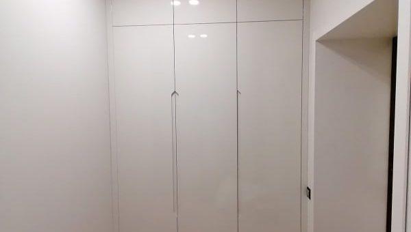 Шкаф крашеный