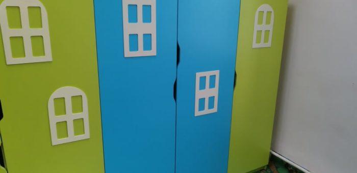 Цветные шкафчики