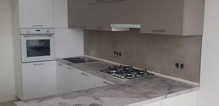 Кухня белая матовая
